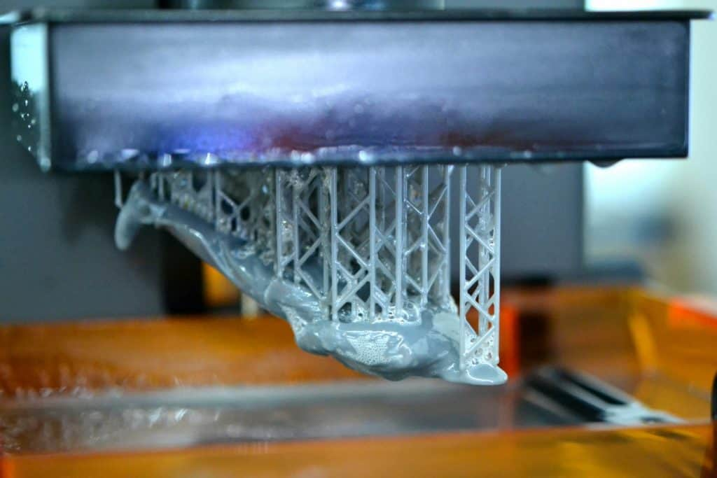 Stereolithography DPL 3d printer create detail and liquid drips